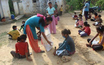 पञ्चपुरीका बालशुलभ केन्द्रलाई दाेस्राे चरणमा सहयोग ।